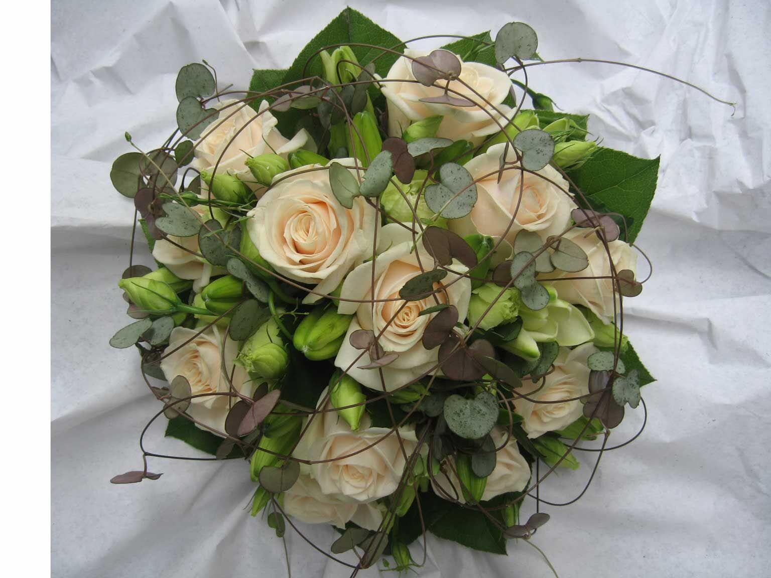 brudebuket hvid roser